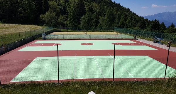 Rifacimento della pavimentazione in resina acrilica Folgaria-Trento