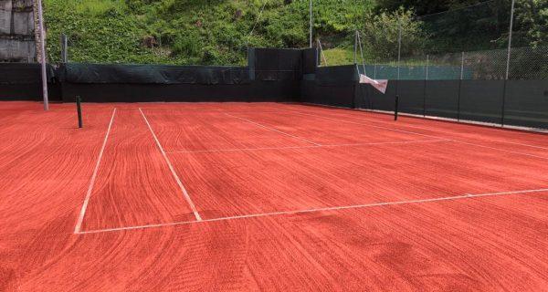 Moena (Tn) Circolo Tennis - Rifacimento dei campi tennis in erba sintetica